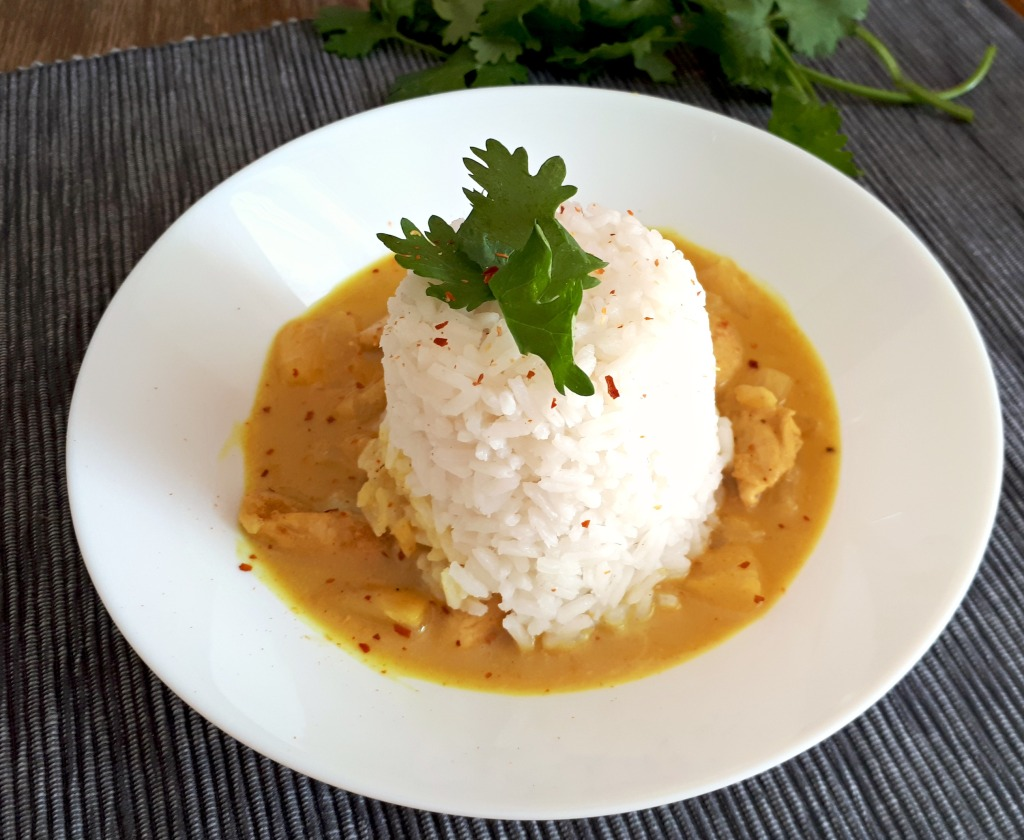 Hühnchencurry mit Reis bearbeitet