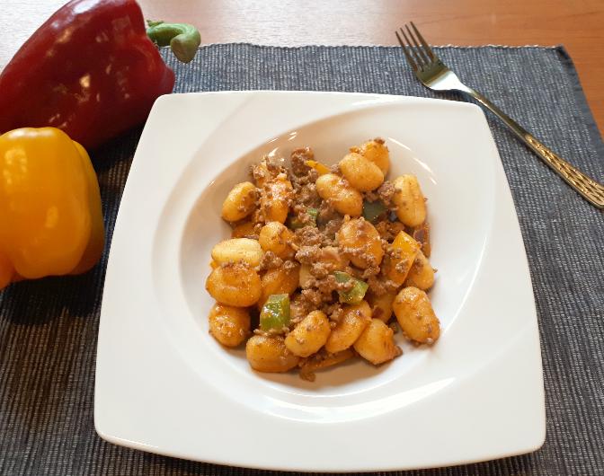Gnocchi mit Paprika-Hackfleisch-Soße