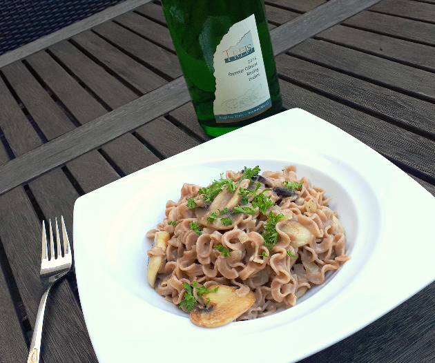 Pasta an Champignon-Rieslingrahm