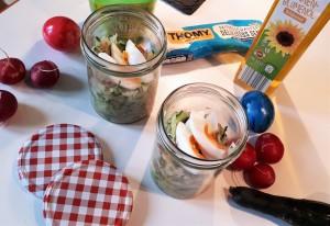 Gurkensalat mit Radieschen und Ei