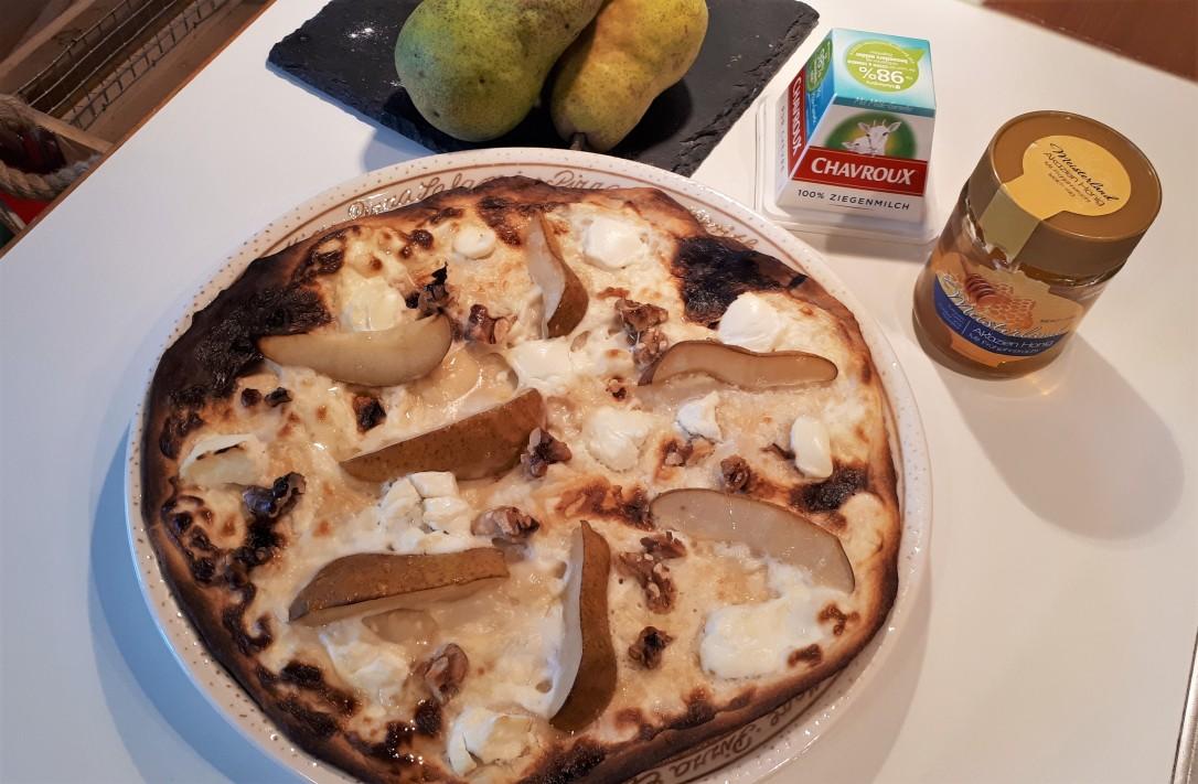 Flammkuchen mit Birne