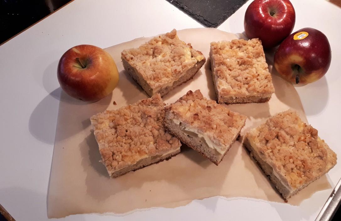 Apfel-Nuss-Schnitten