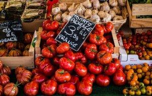 tomatoes-4050245_1920
